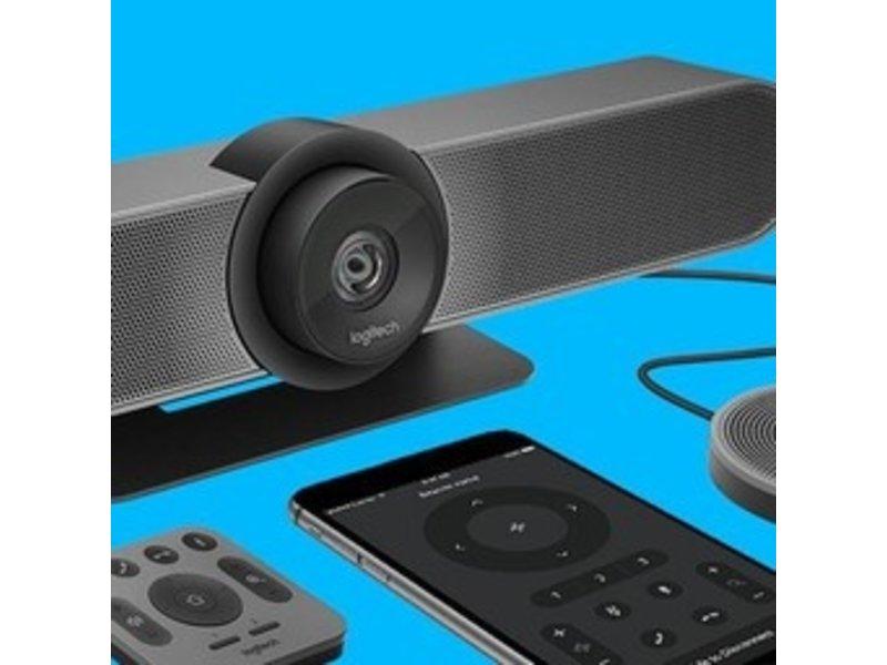 Samsung QB55R met Logitech MeetUp set