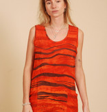 Sleeveless dress with front pockets