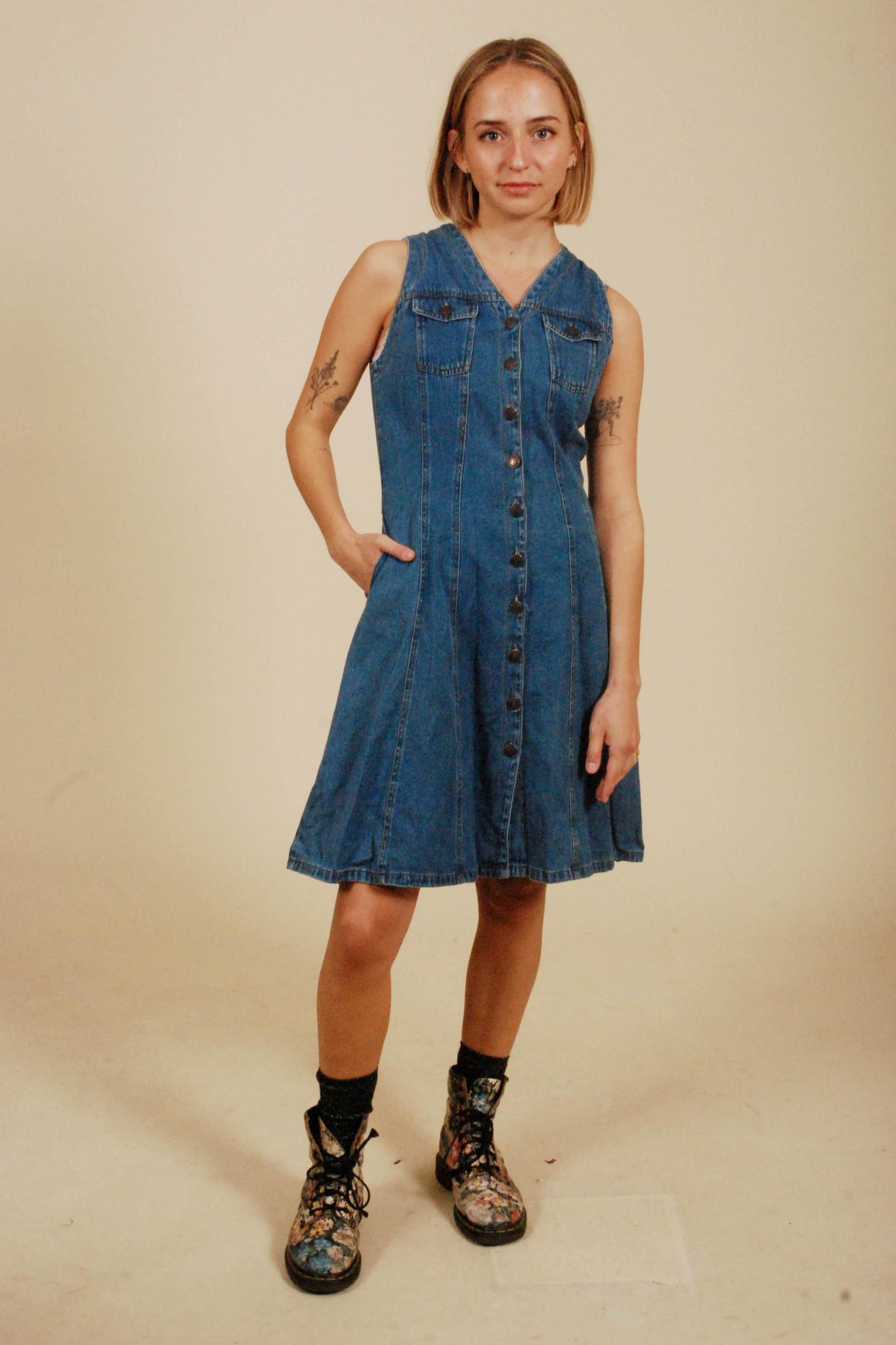 Classic 90s denim dress