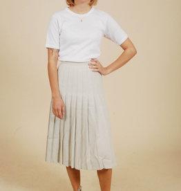 Classy 70s polka dot skirt