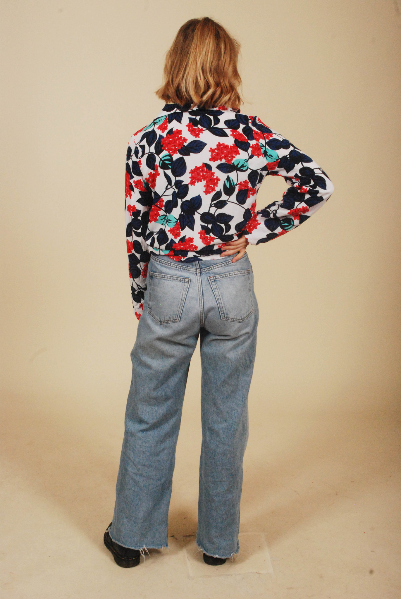 Floral 90s shirt with all-over print