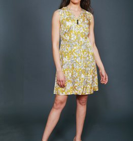 Classic 70s dress with all-over print