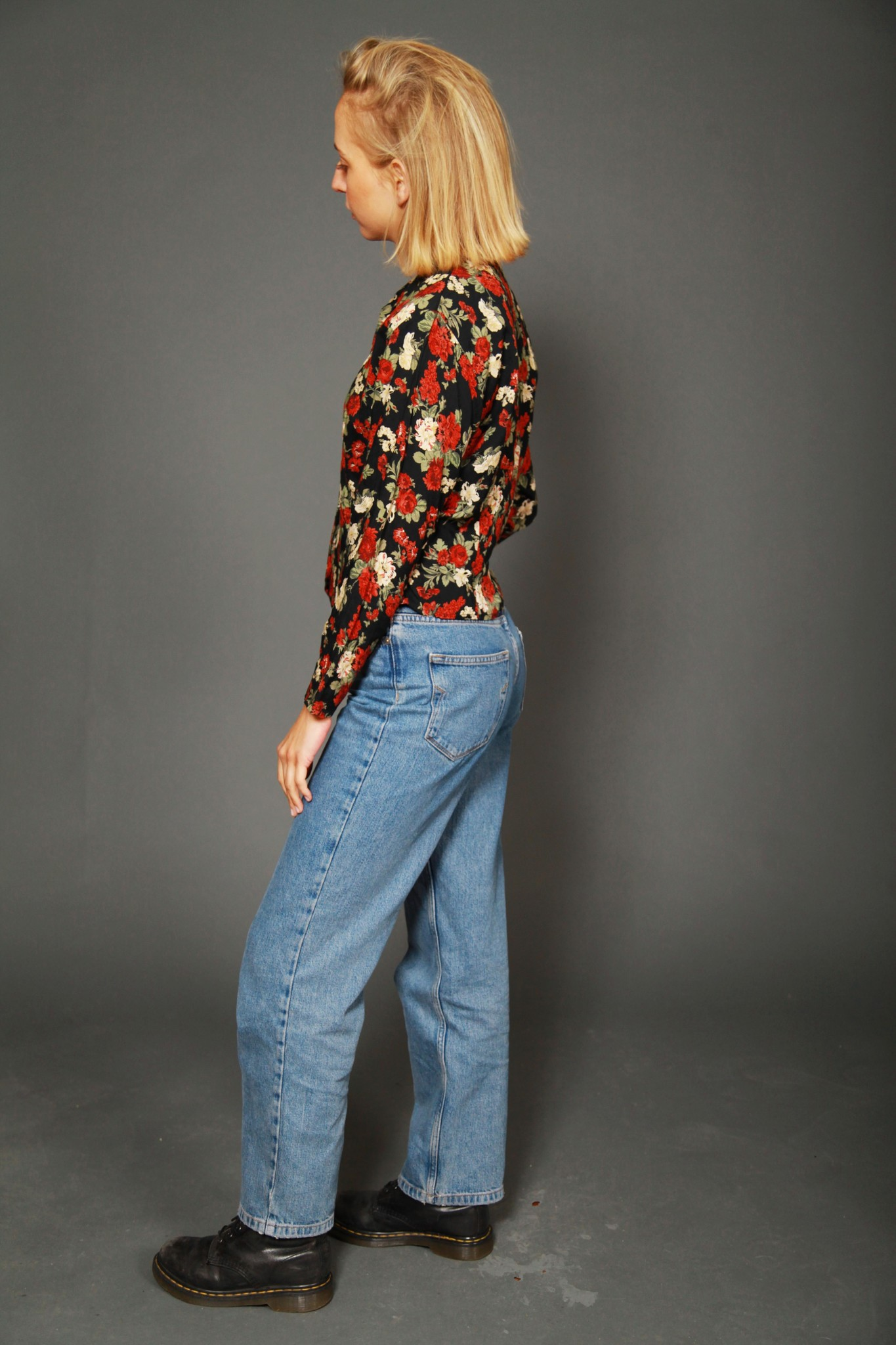 Floral 80s shirt with button front