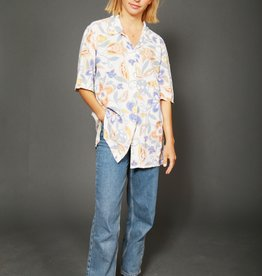Floral 90s shirt