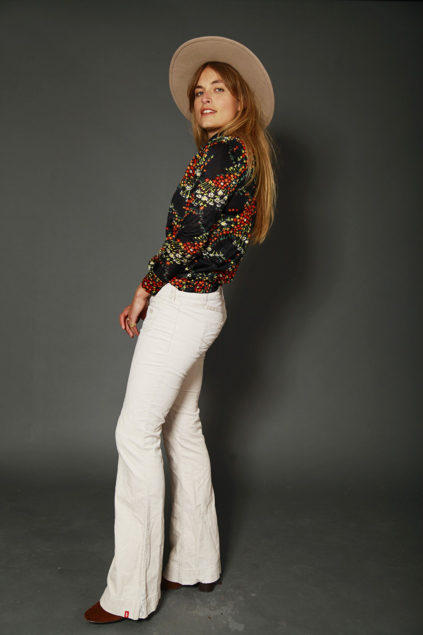 Beige 00s flared trousers