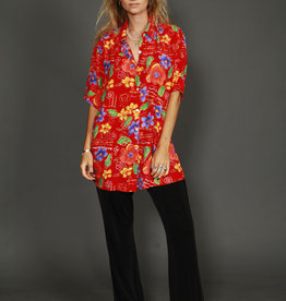 Quirky 90s shirt with all-over print