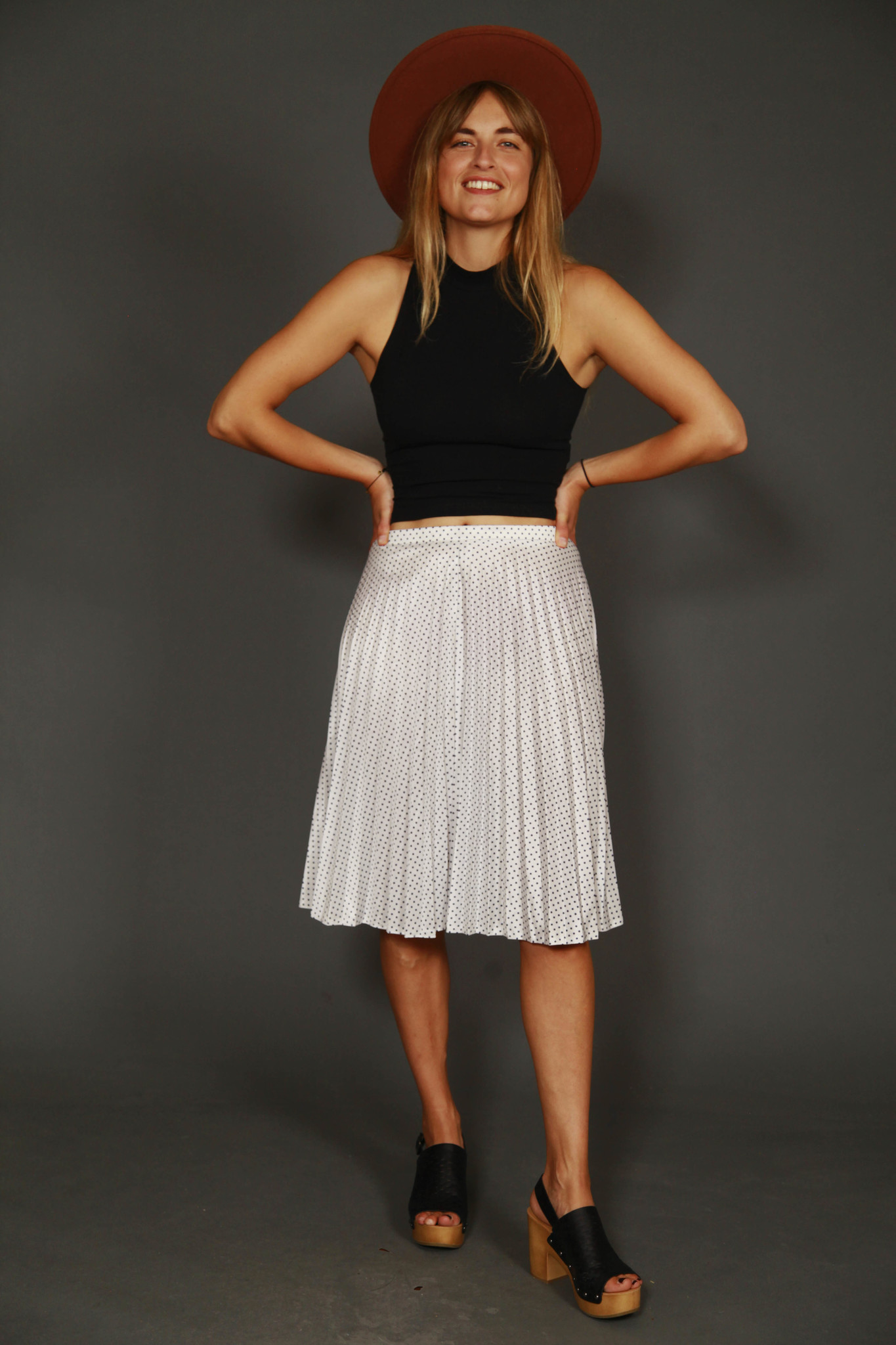 Pleated 80s skirt in white