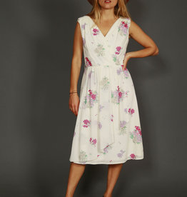 Floral 70s dress in white