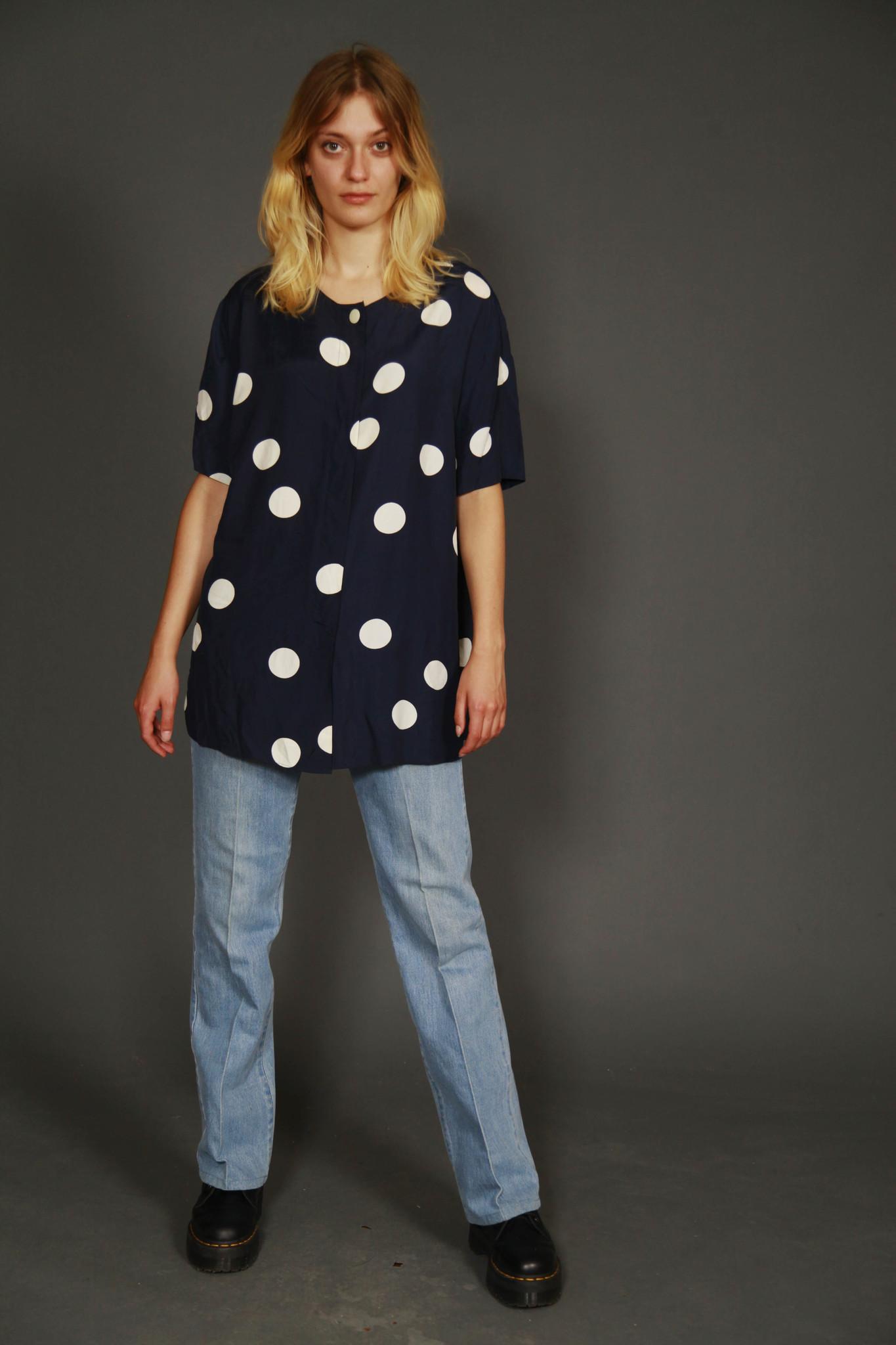 Comfortable 90s shirt
