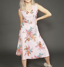 Floral 70s dress in pink