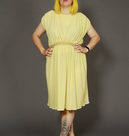 Pleated 80s dress in yellow