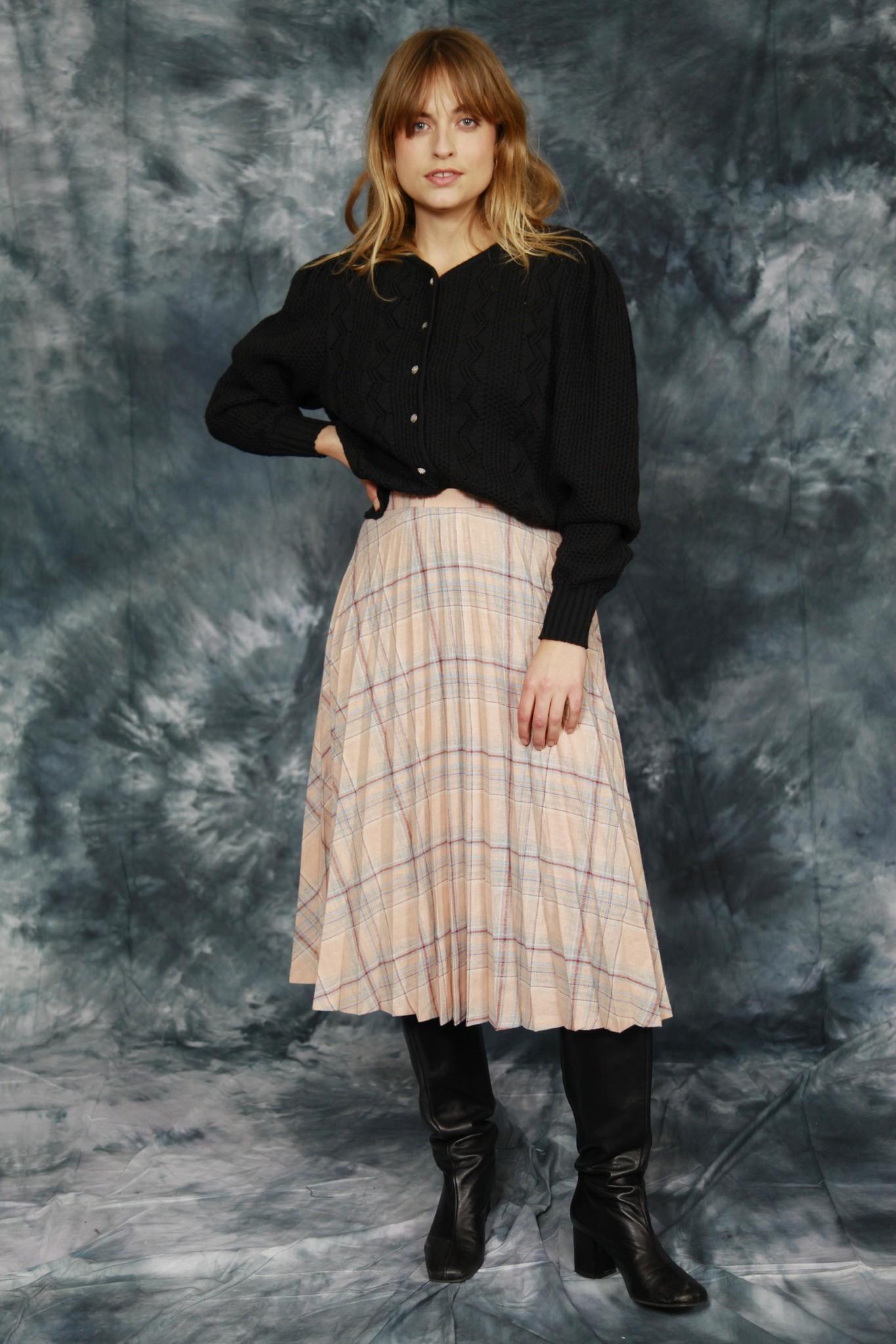 Wool pleated skirt