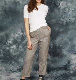 High waist trousers with tapered leg