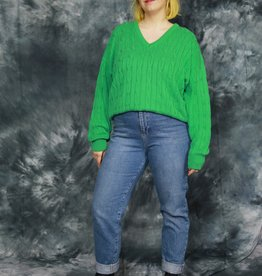Comfortable knitted sweater in green
