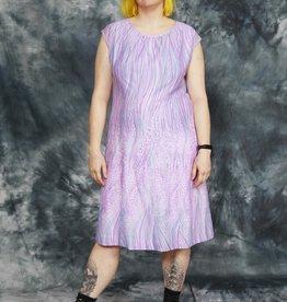 Printed 80s dress in purple