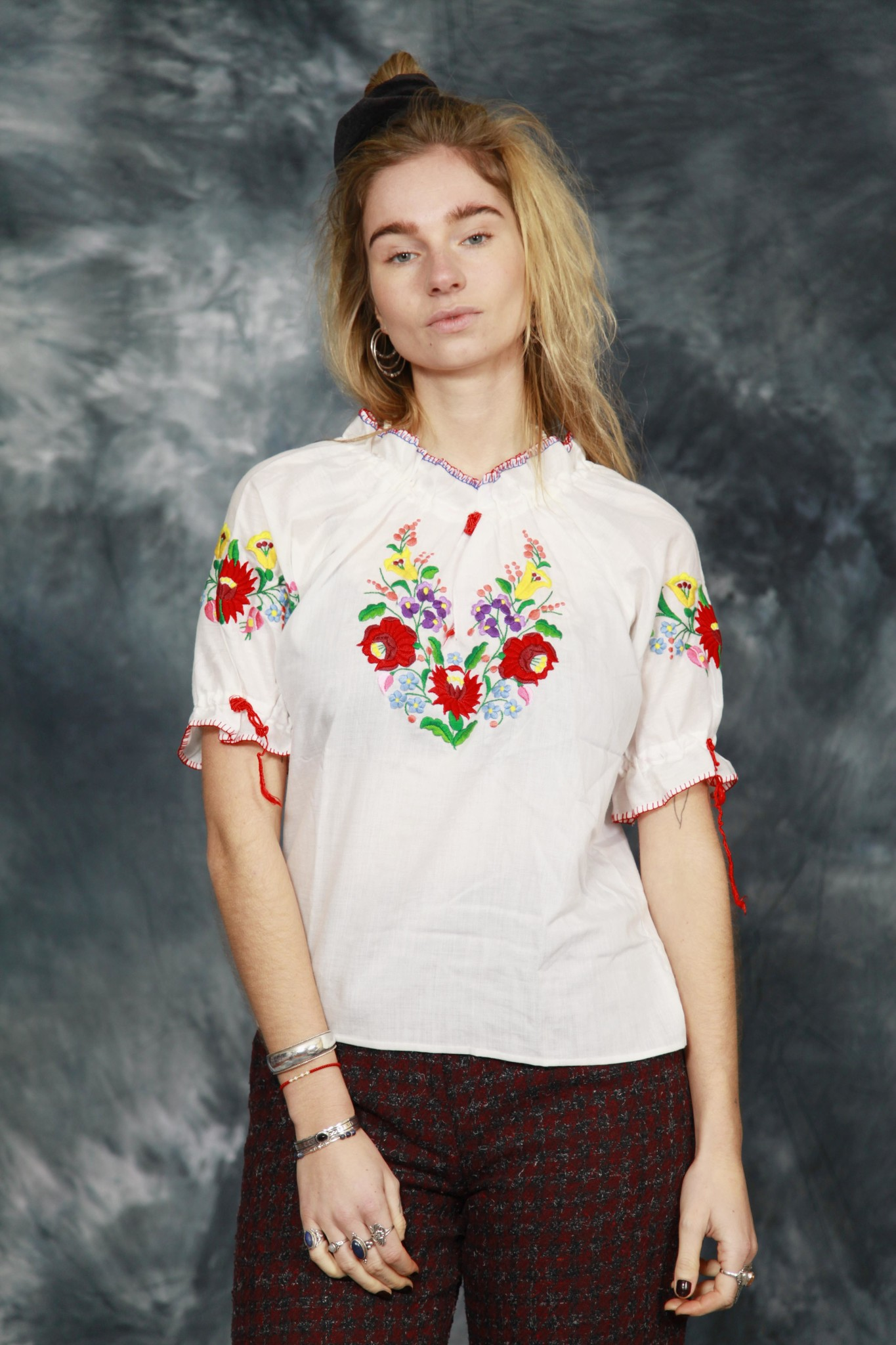 White 90s embroidered top