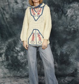 Cool 70s jumper in white