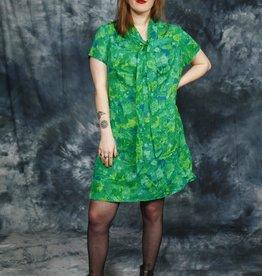 Classy 70s dress in green