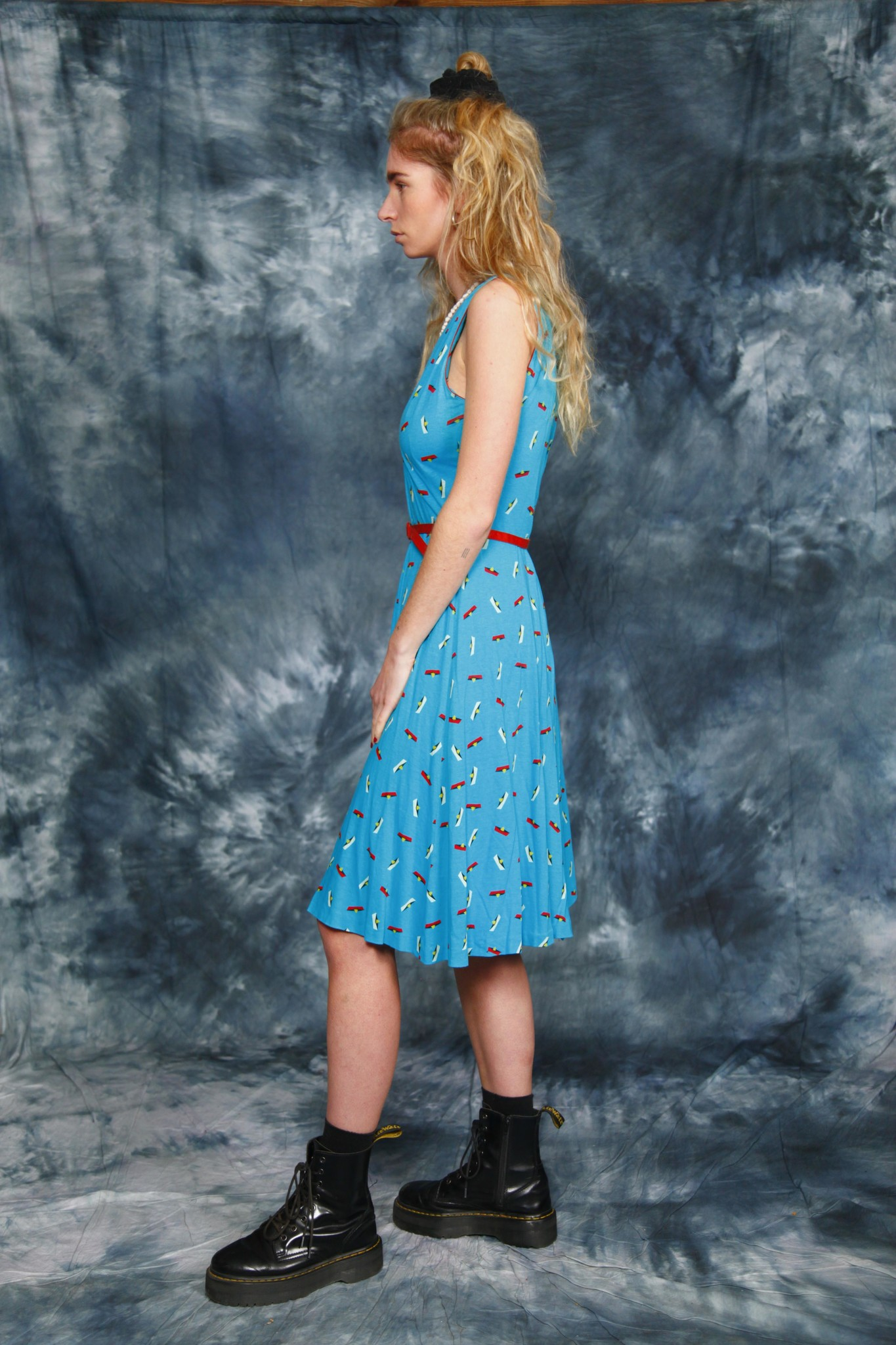 Quirky 70s dress in blue