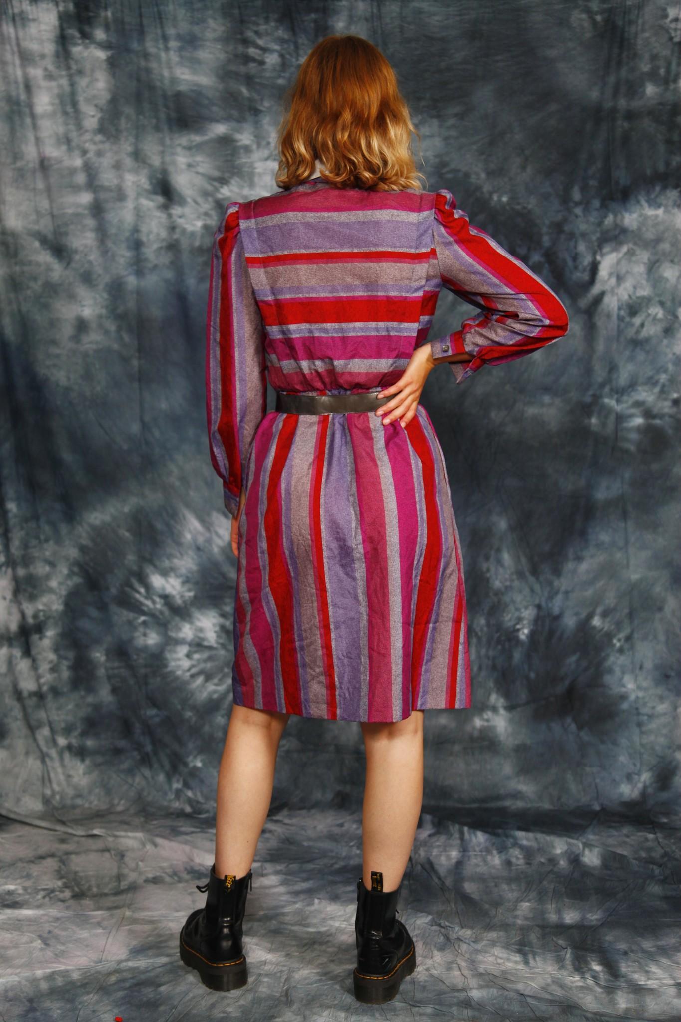Classy 80s dress