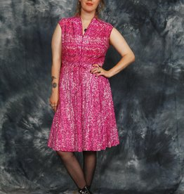 Classic 80s dress in pink