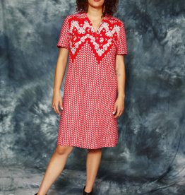Classic 70s dress in red
