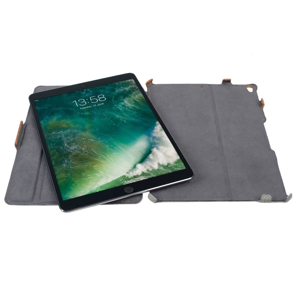 Gecko Covers Limited Backcover voor iPad Pro 10.5 / Air 10.5 - Bruin