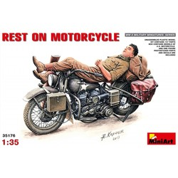 Rest On Motorcyle 1:35 # MiniArt 35176