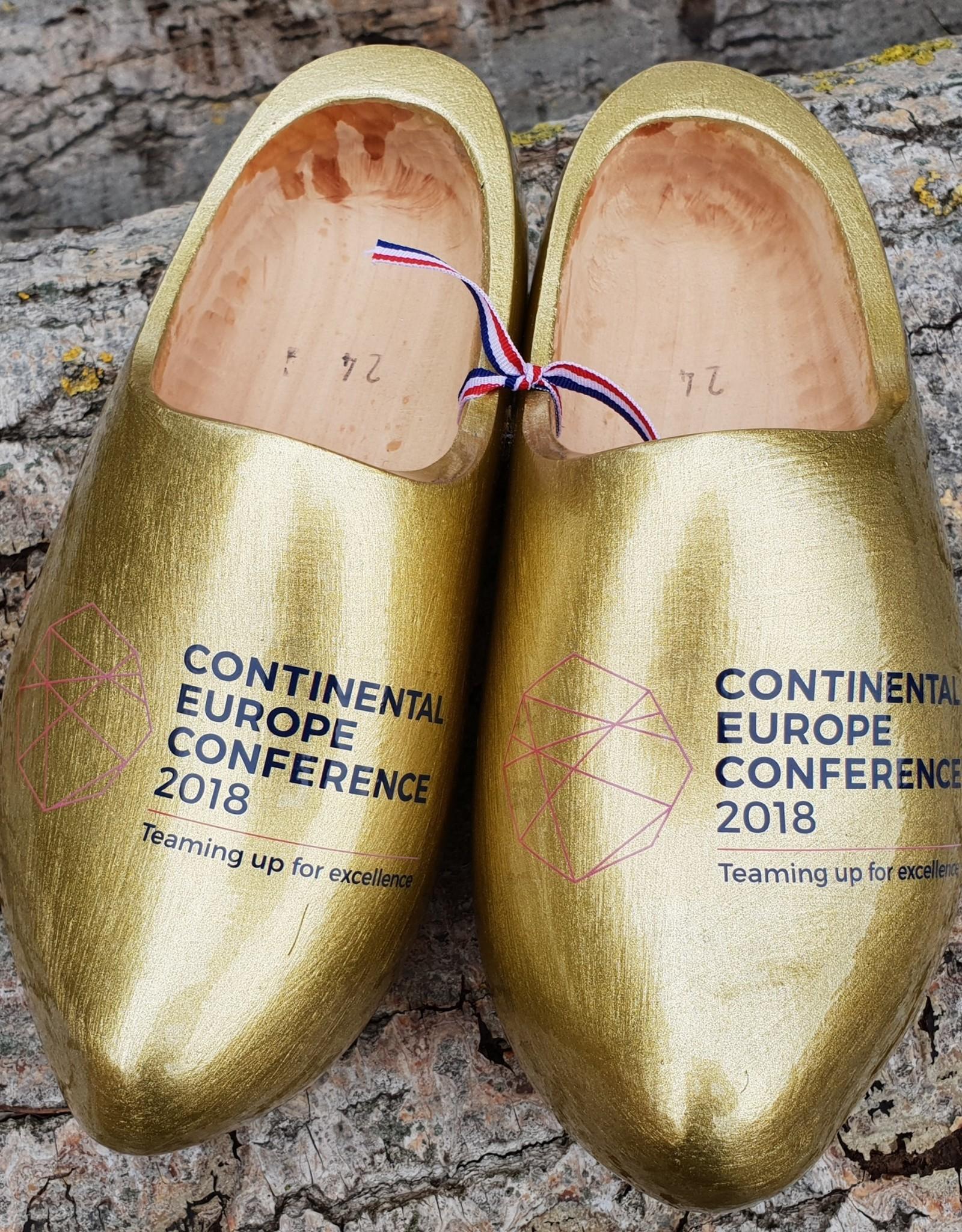 Wilhelmus Klompen (gelakt in goud) met logo of tekst