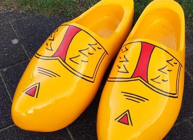 Giant woodenshoes