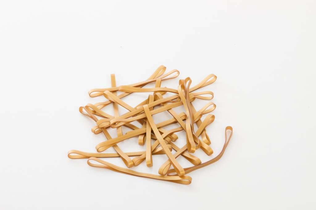 Goudkleurig 16 Gold color elastic band Length 140 mm, Width 4 mm