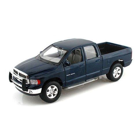Dodge Ram Quad Cab 2002 blauw - Modelauto 1:27