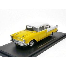 BoS Models Chevrolet 150 2-deurs Sedan 1957 geel/wit - Modelauto 1:43