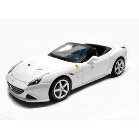 Bburago Ferrari California T 2016 white - Model car 1:18