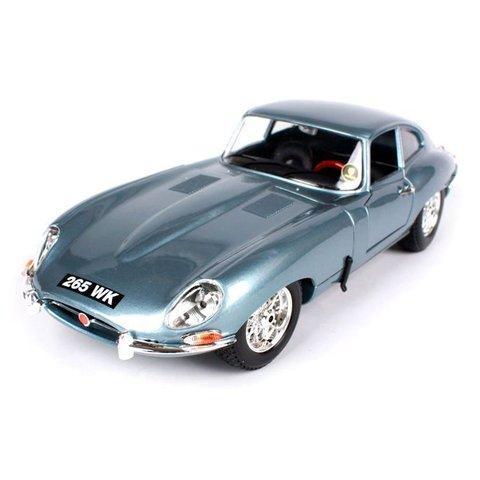 Jaguar E-type Coupe 1961 light blue - Model car 1:18