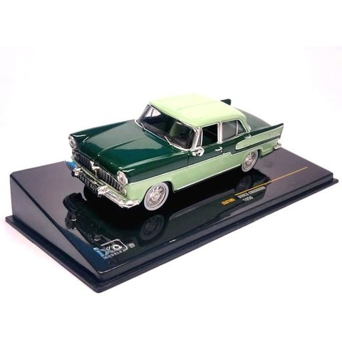 Simca Chambord 1958 lichtgroen/groen - Modelauto 1:43