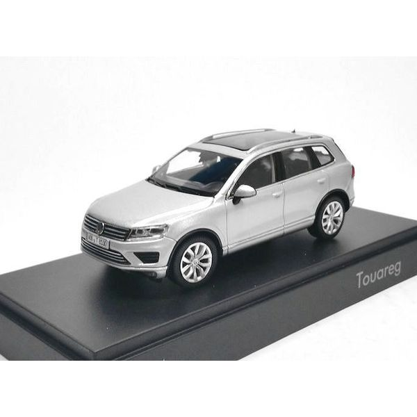Modellauto Volkswagen Touareg 2015 silber 1:43