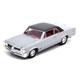 Ertl / Auto World Pontiac GTO 1964 silver - Model car 1:24