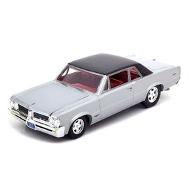 Auto World Pontiac GTO 1964 zilver - Modelauto 1:24