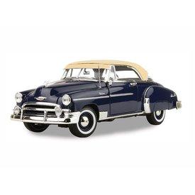 Motormax Modellauto Chevrolet Bel Air 1950 dunkelblau/beige 1:18 | Motormax