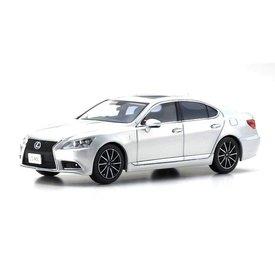 Kyosho Modelauto Lexus LS 460 F Sport zilver1:43 | Kyosho