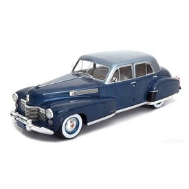 Modelcar Group Cadillac Fleetwood Series 60 Special Sedan blauw - Modelauto 1:18