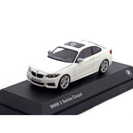 Minichamps Modelauto BMW 2 Serie Coupé (F22) wit 1:43 | Minichamps