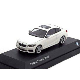 Minichamps Modellauto BMW 2er Coupé (F22) weiß 1:43 | Minichamps
