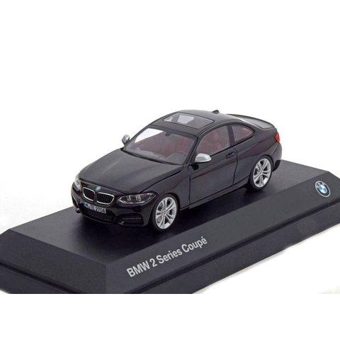 BMW 2 Serie Coupé (F22) zwart - Modelauto 1:43
