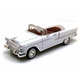 Motormax Chevrolet Bel Air Closed Convertible 1955 wit - Modelauto 1:18