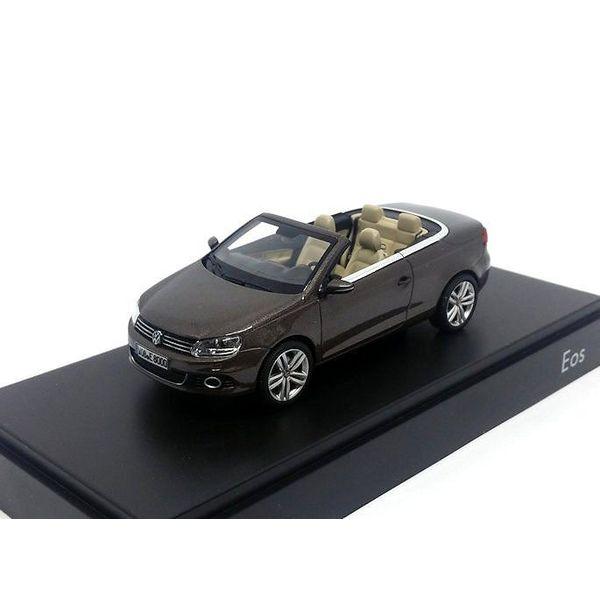 Modelauto Volkswagen Eos 2011 bruin metallic 1:43