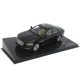 Ixo Models Jaguar XJ black amethyst - Model car 1:43