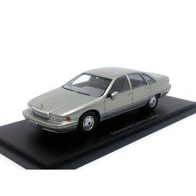 BoS Models Chevrolet Caprice Sedan zilver - Model car 1:43