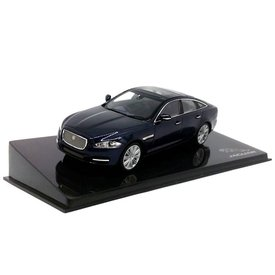 Ixo Models Jaguar XJ Dark Sapphire - Modelauto 1:43